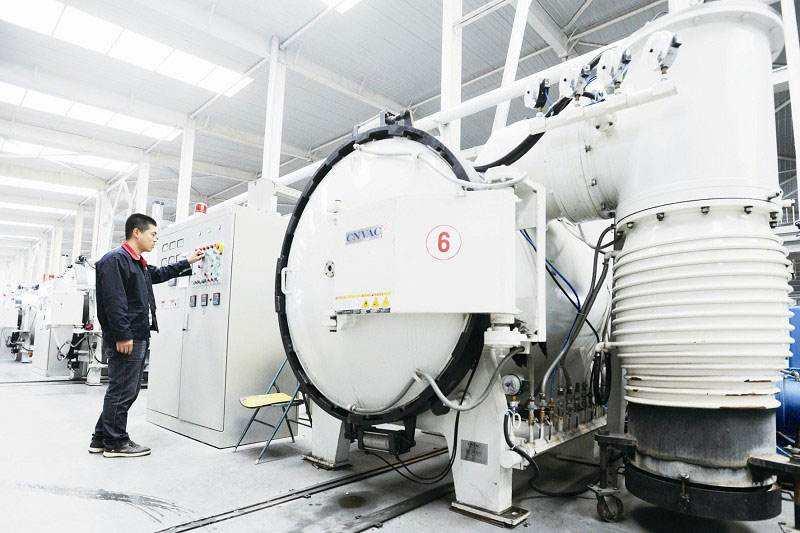 钛制式离心机研发成功 填补国内空白打破国外垄断