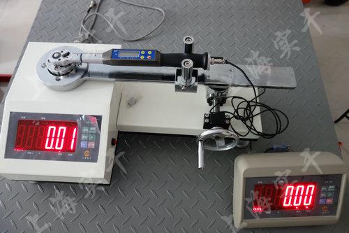 数字式扭矩扳子校准仪图片