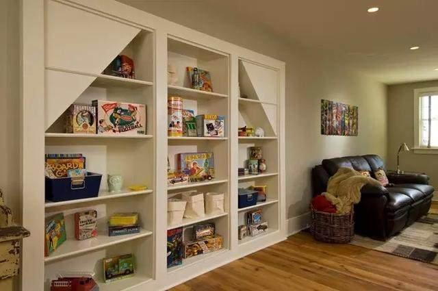 書櫃內退隱形門
