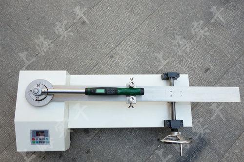 小型扭力扳手测试仪图片